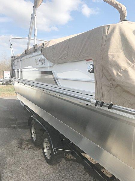 Nashville Marine 273 2019 G3 Boats Suncatcher Elite 324SS.jpg