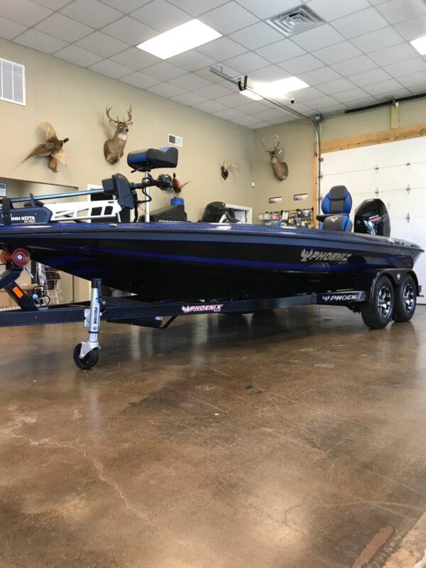Nashville-Marine-2021-Phoenix-Boats-721-Pro-XP-2.jpg
